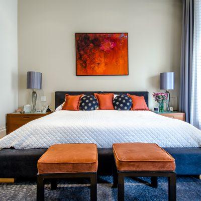Łóżka tapicerowane do sypialni – jak wybrać to odpowiednie?