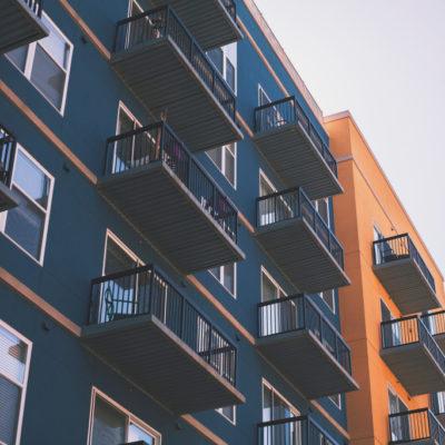Żywica na balkon – zamiast płytek ceramicznych